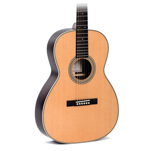 AMI 000T-28S Acoustic Guitar